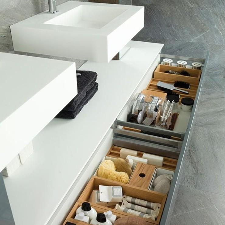 Sob a pia do banheiro, no blog Detalhes Magicos