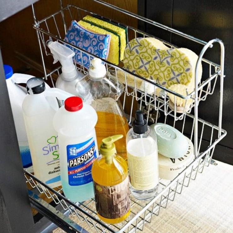 Organizar o material de limpeza na cozinha blog Detalhes Magicos