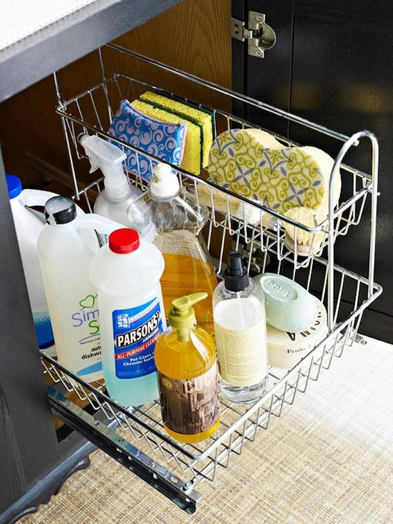 Organizando o material de limpeza detalhes m gicos for Organizador bajo fregadero ikea
