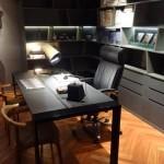 escritório masculino mundstock