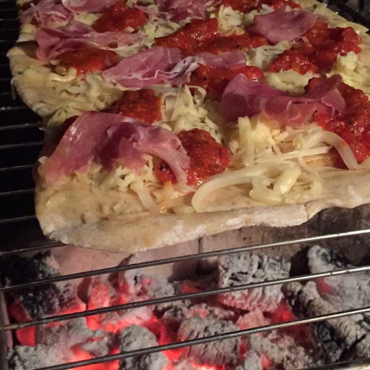 pizza-grelhada-na-churrasqueira