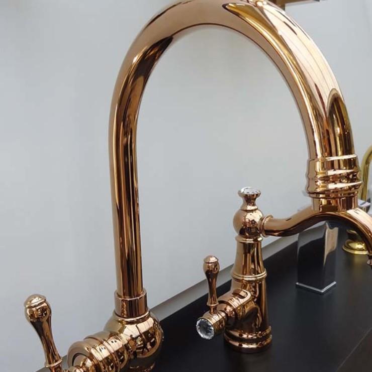 metais-rose-gold-no-banheiro