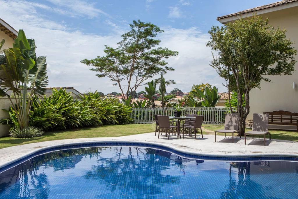 espaço-de-contemplação-e-relaxamento-em-um-jardim-tropical