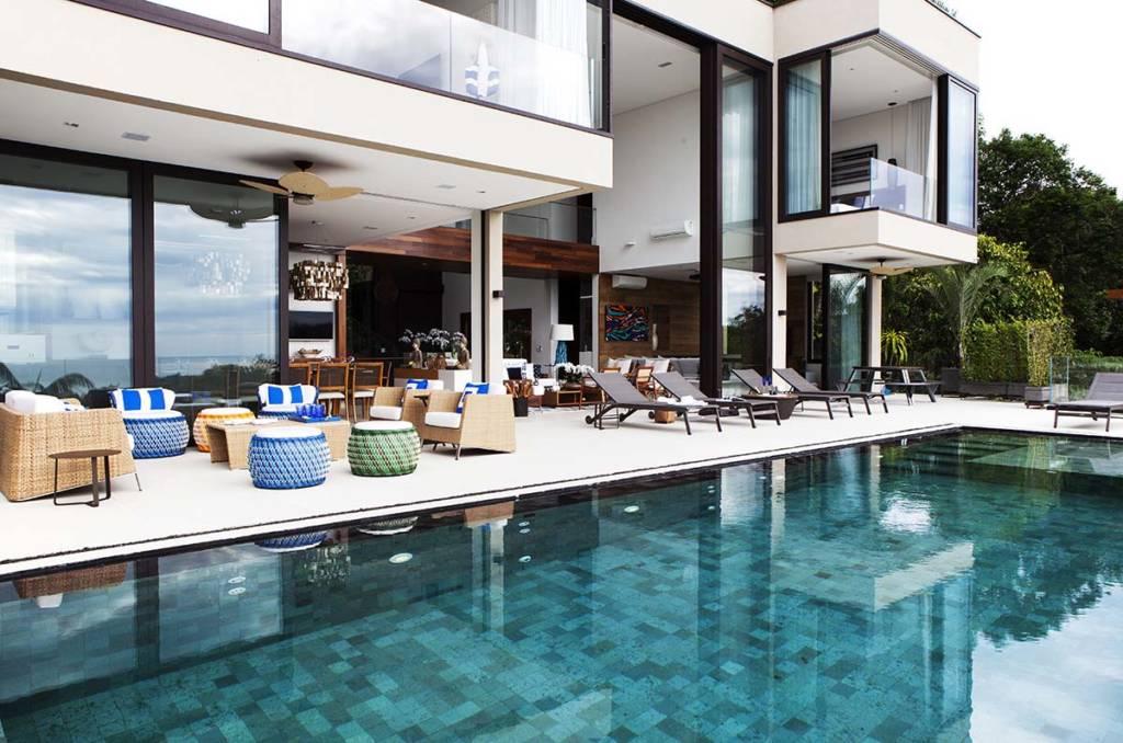 piscina-na-casa-de-praia