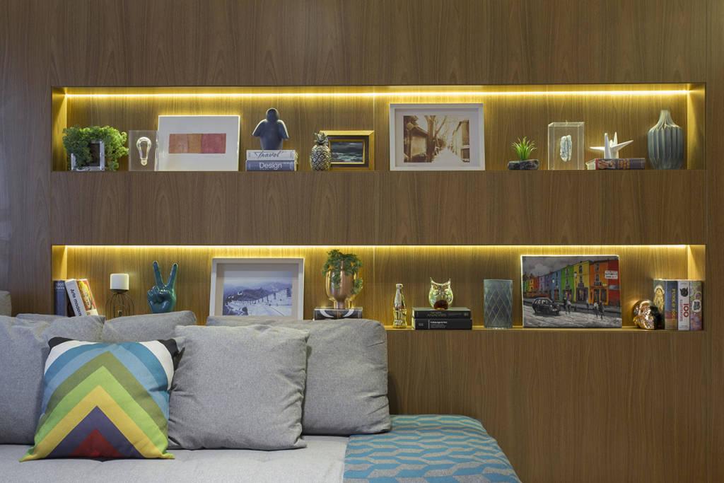 painel-de-madeira-com-nichos